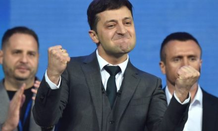 Ukraine Elects Pro-Western Comedian to the Presidency