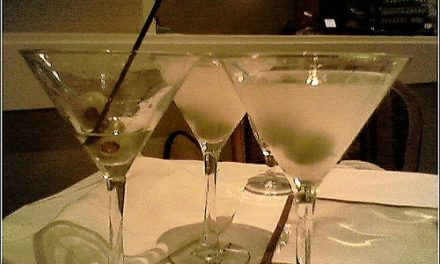 Three-Martini Lunches Won't Save the Restaurant Industry
